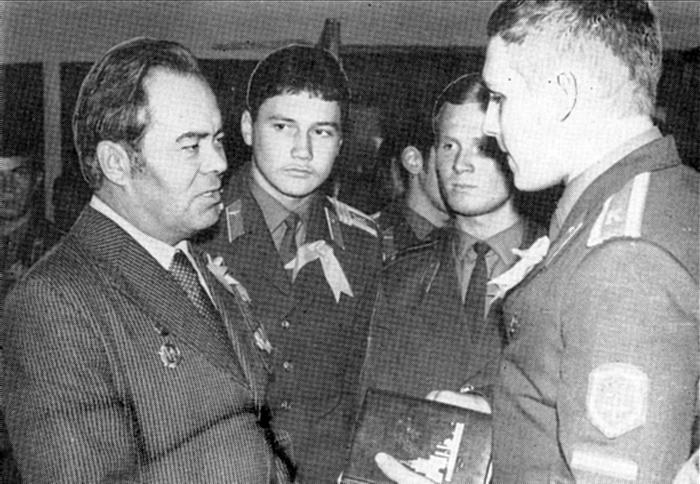 В.П. Романенко — участник  Великой   Отечественной  войны,  отец летчика-космонавта Ю. В. Романенко